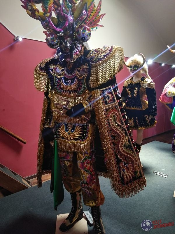 Traje Lucifer Museo Oruro