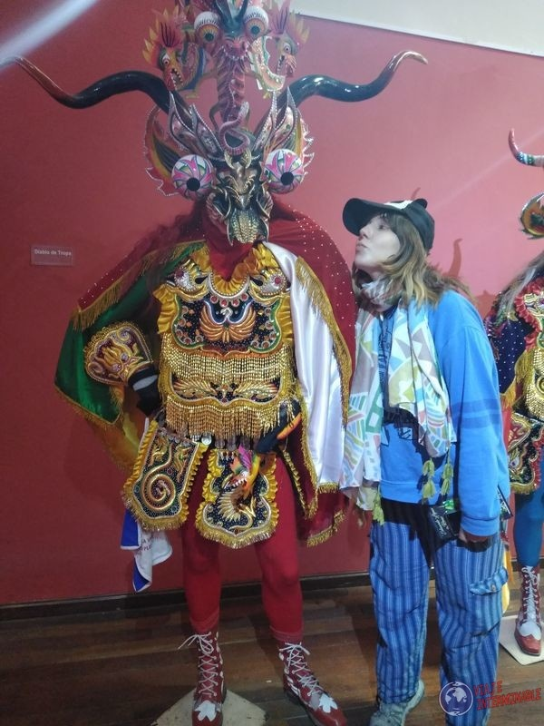 Traje demonio Museo Oruro