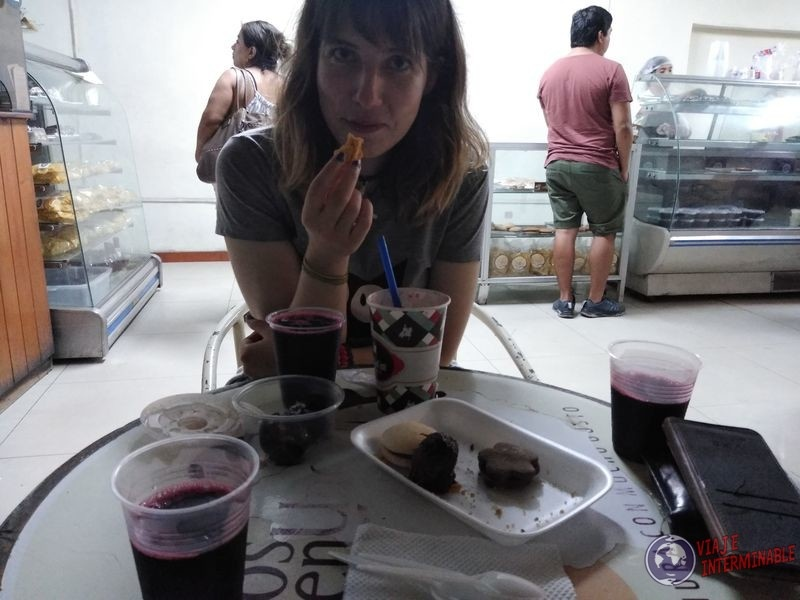 comiendo dulces tipicos peru piura