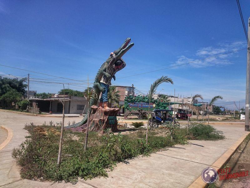 estatua cocodrilo hombre Zarumilla
