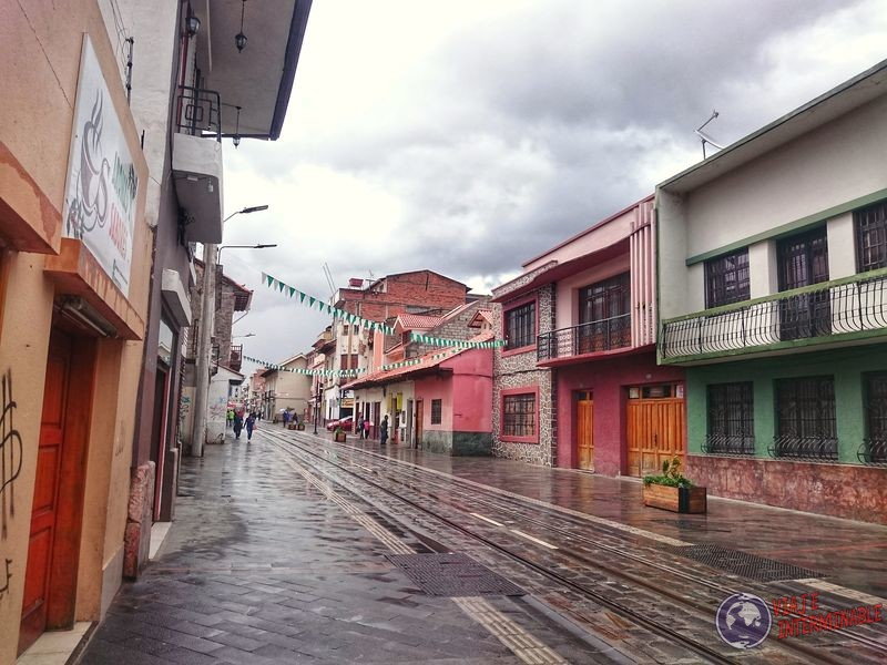 Calles coloniales coloridas de Cuenca Ecuador