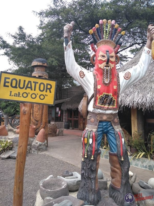 Chaman Museo Inti Ñan Mitad del mundo Quito Ecuador