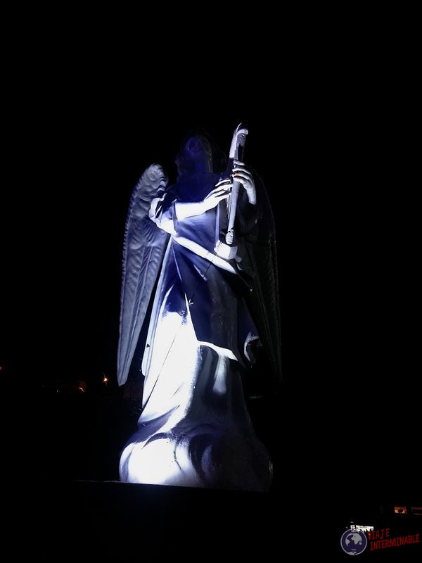 Estatua Angel Lajas Colombia