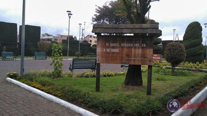 Frase Da Vinci Cementerio Tulcan Ecuador
