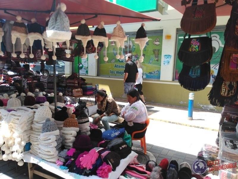 Mercado de los Ponchos Otavalo Ecuador
