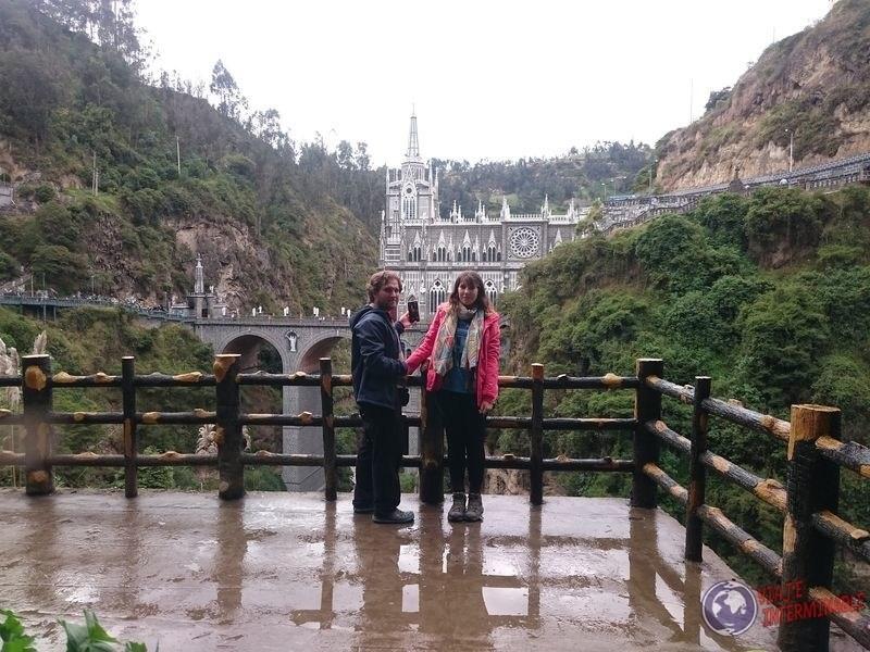 Santuario de Lajas de fondo Colombia