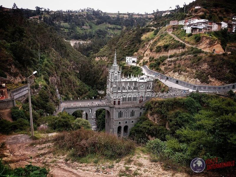 Santuario de Lajas de lejos Colombia