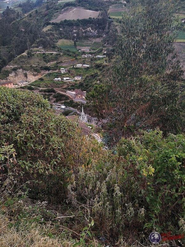 Vista de Santuario de Lajas a lo lejos