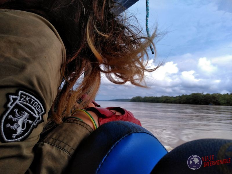 Admirando el Napo en lancha de coca a rocafuerte Ecuador