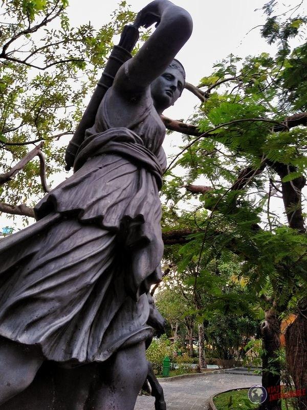 Artemisa en plaza manaos brasil