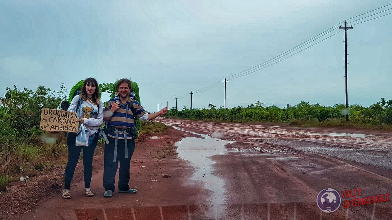 Autostop hitchhiking dedo en Lethem