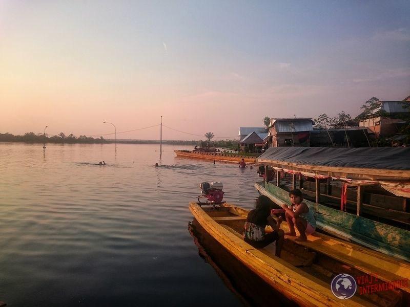 Bote en Santa Clara Peru