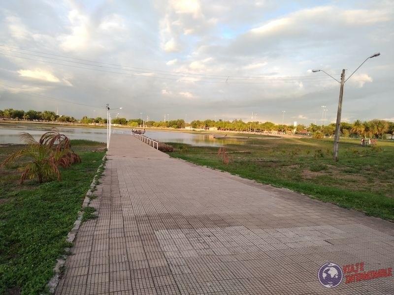 Camino en parque Senador Canedo Boa vista Brasil