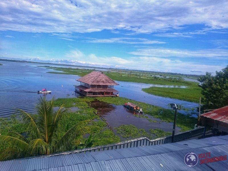 Casa flotante en Iquitos