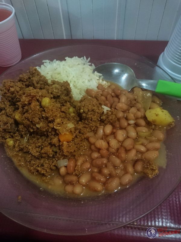 Comida en barco amazonas tabatinga manaos brasil