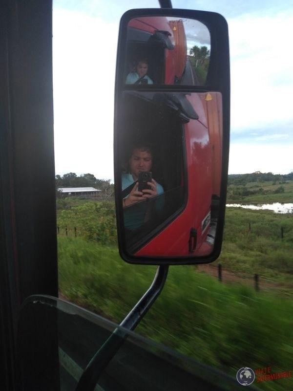 Espejo camion rumbo a Boa Vista Brasil