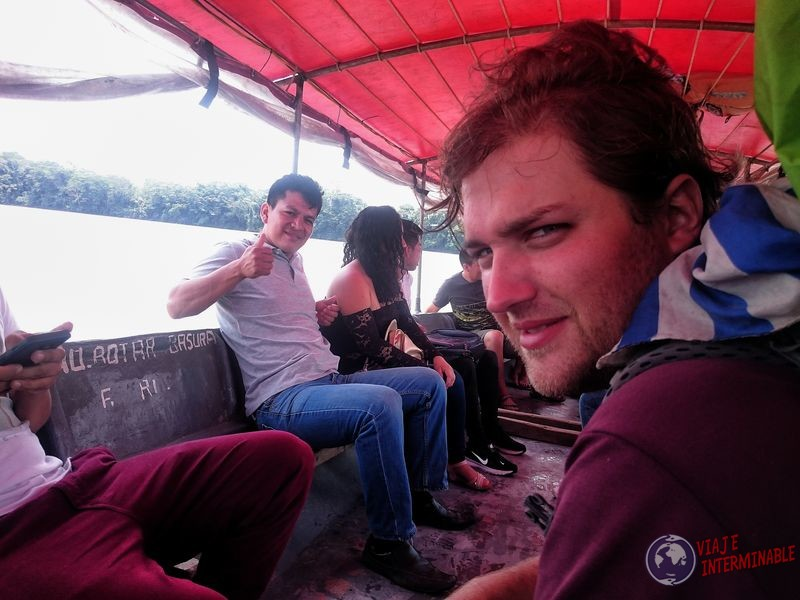 Lancha desde Pompeya a coca selva amazonas ecuador