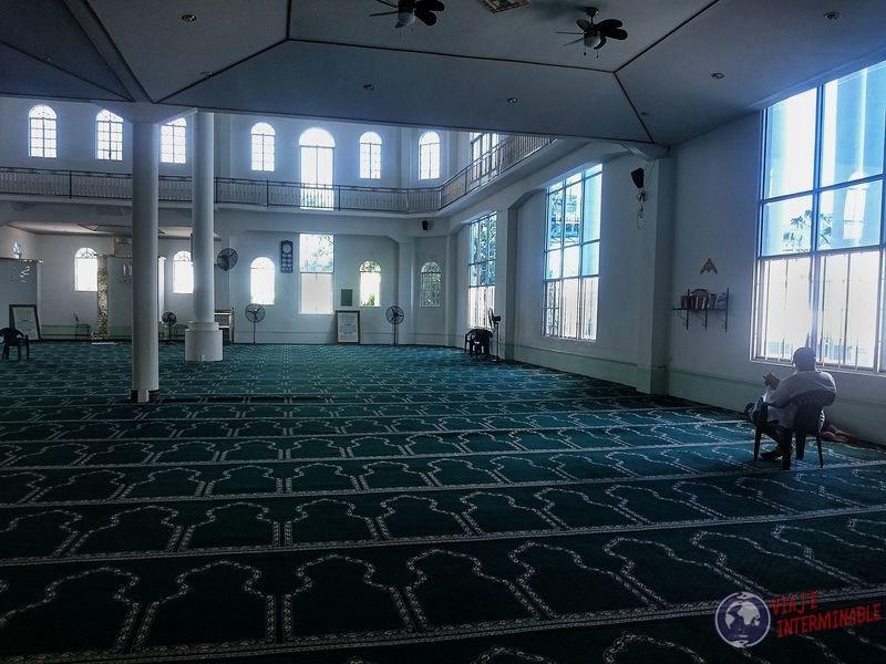 Mezquita por dentro en Gerogetown Guyana