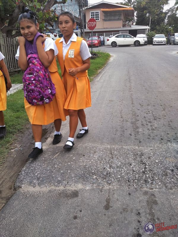Niñas escuela uniforme Georgetown Guyana