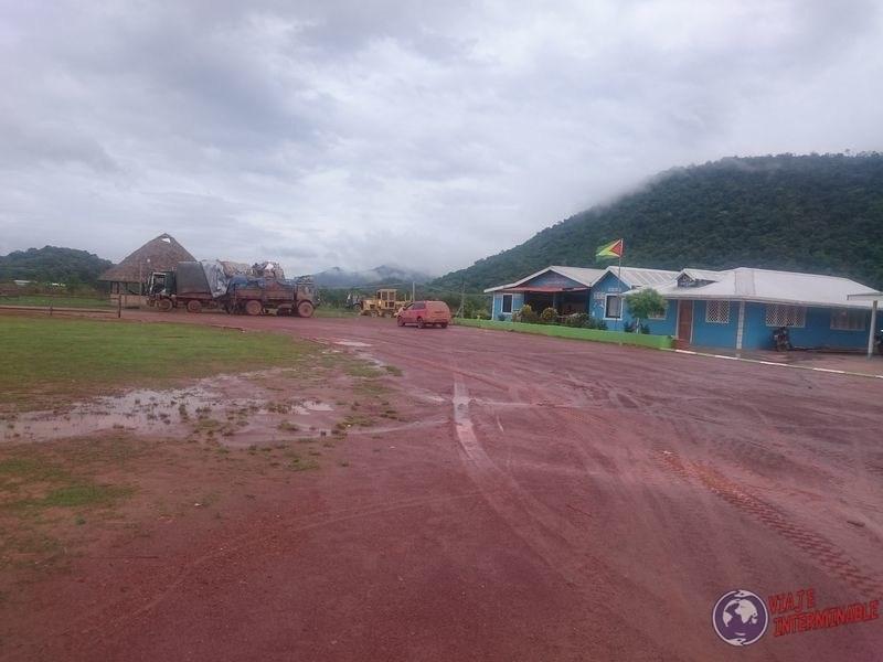 Parador de camiones Annai Guyana