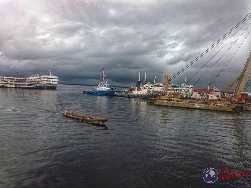 Puerto de Manaos lancha Brasil