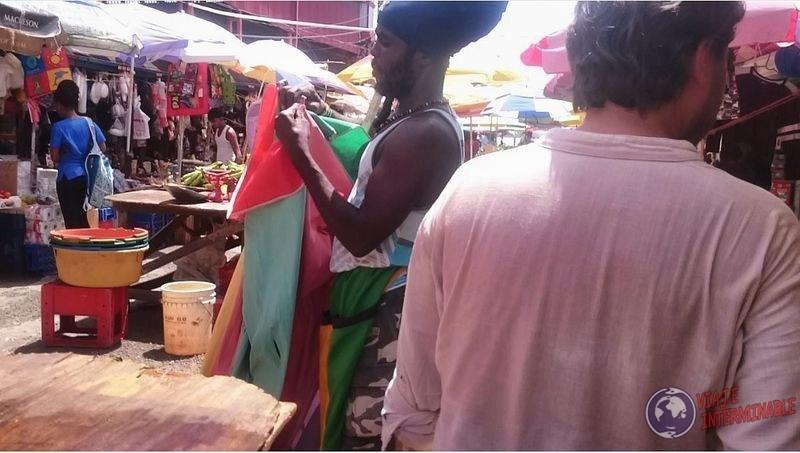Señor con gorro de rastas Georgetown Guyana