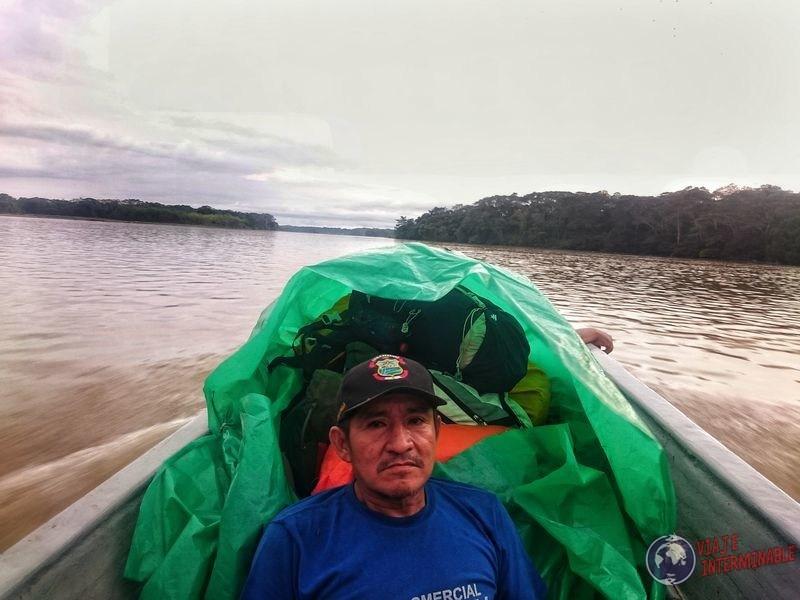 Señor en canoa de rocafuerte a Pantoja