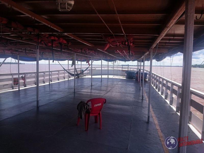 Segundo piso barco carga Tabatinga Manaos brasil