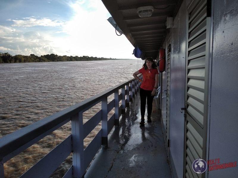Segundo piso barco carga amazonas Tabatinga Manaos Brasil