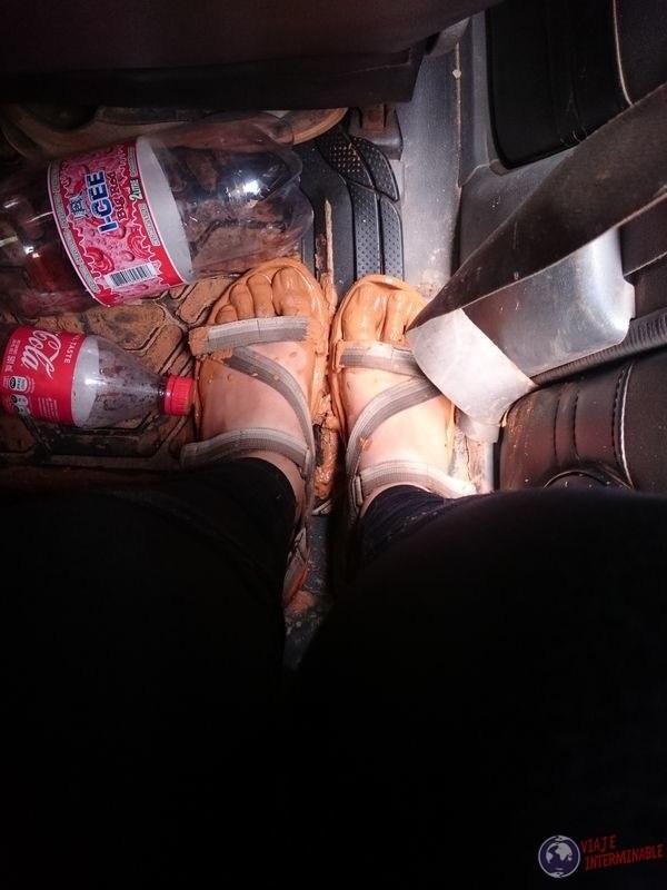 pies embarrados ruta hacia georgetown guyana