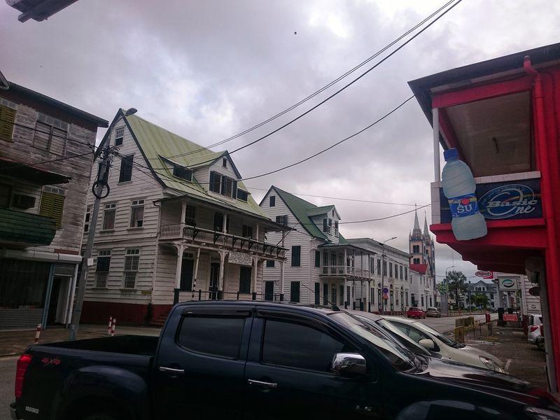 Calles anglosajonas de Paramaribo Surinam