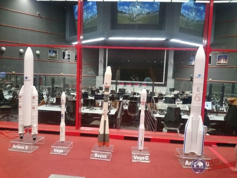 Maquetas naves espaciales cohetes Centro Espacial Kourou Guayana Francesa