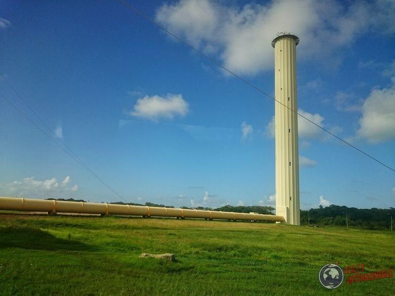 Torre en centro espacial kourou Guayana Francesa