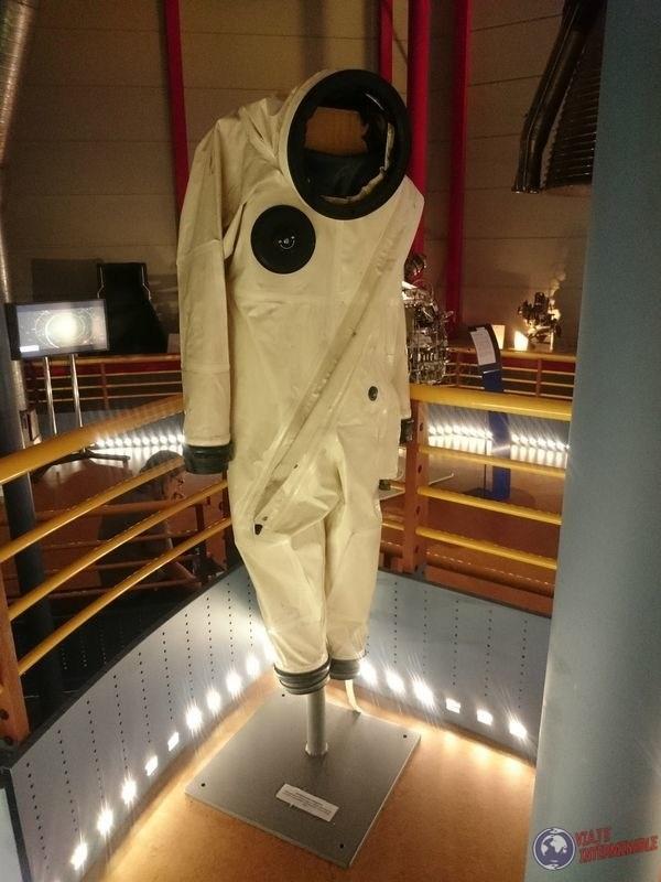 Traje espacial centro espacial guayana francesa