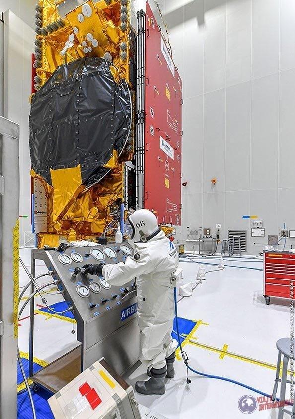 Trabajos en el Centro Espacial