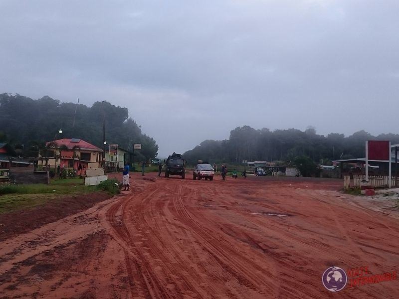 La ruta de barro en Mabura Guyana