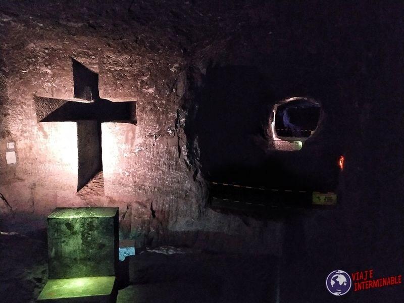 Catedral de sal Zipaquira Colombia cruz tallada