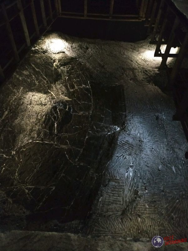 Espejo de agua Catedral de sal Zipaquira Colombia