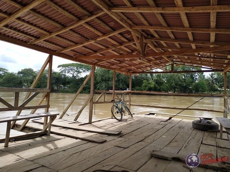 Lancha Jaraquiel rio sinu Colombia Monteria
