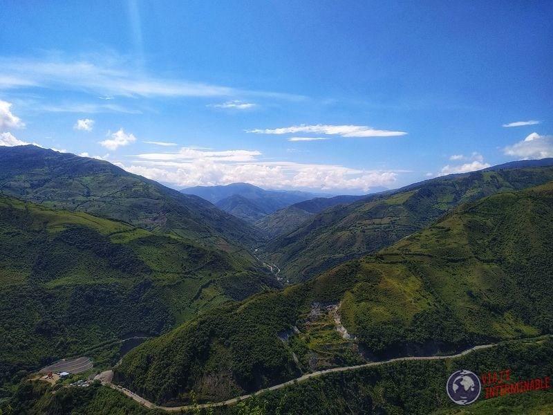 Montañas de camino a Chigorodo