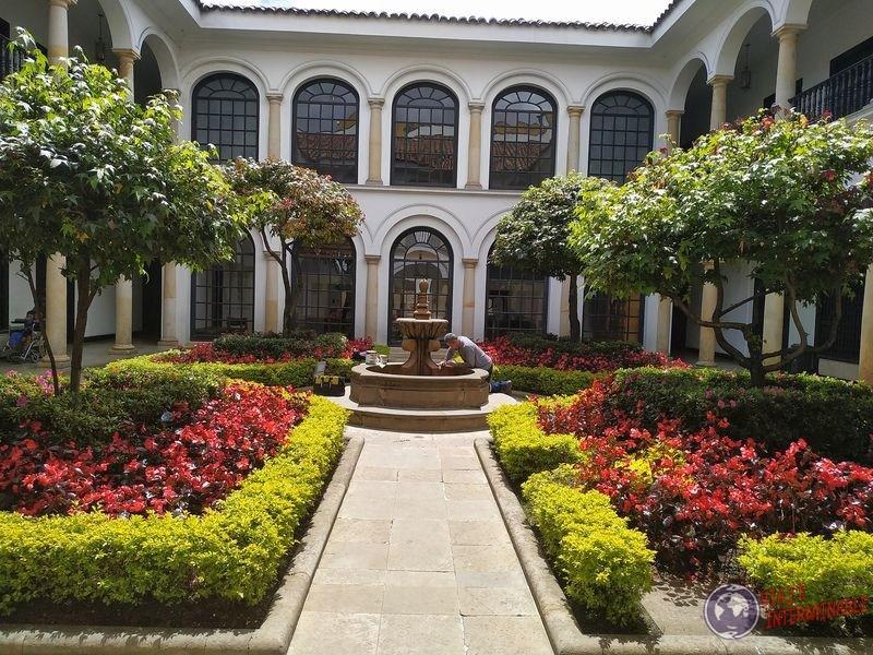 Patio en museo Botero