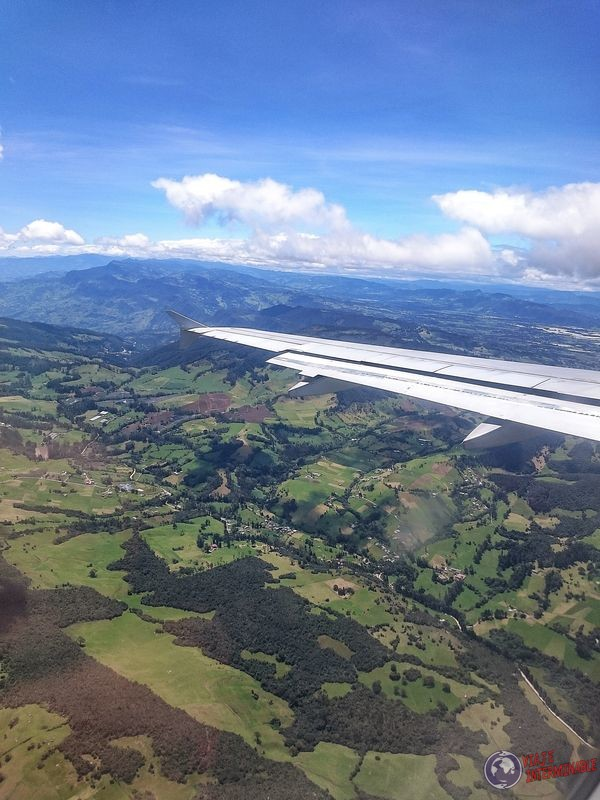 Vista aerea avion de Leticia a Bogota Colombia