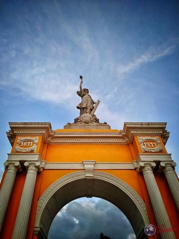 Estatua Parque Centenario cartagena Colombia