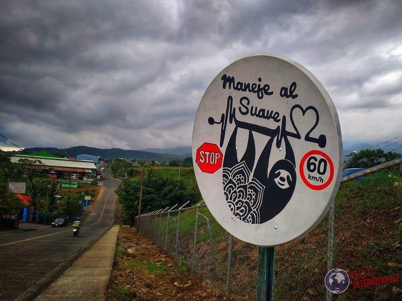 Cartel perezoso control velocidad Quesada Costa Rica
