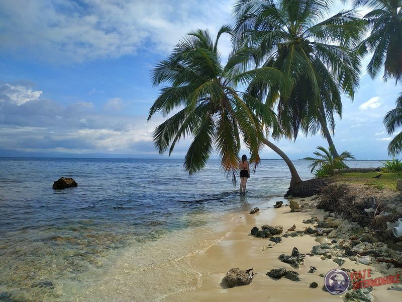 Isla perro chico San Blas Panama playa espalda