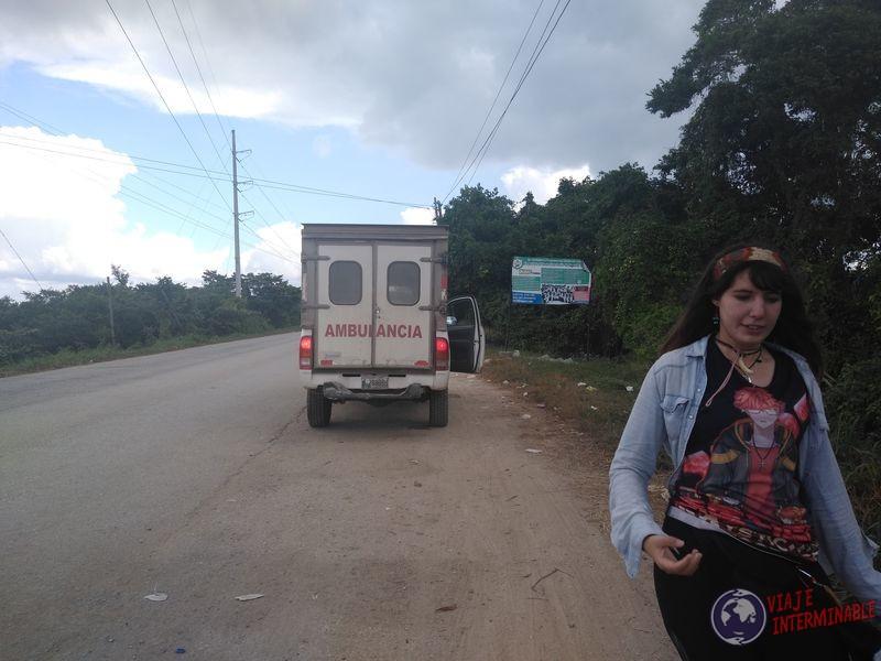 Autostop a dedo ambulancia