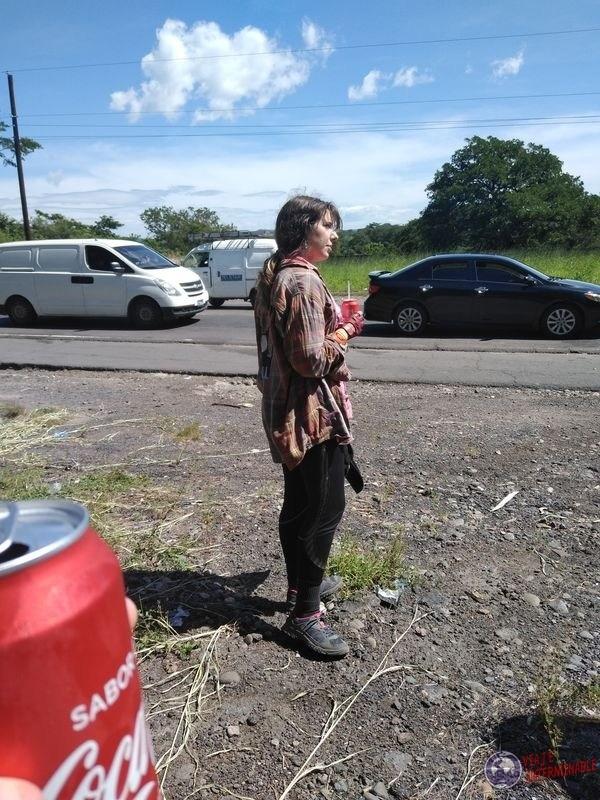 Esperando en ruta con Coca Cola