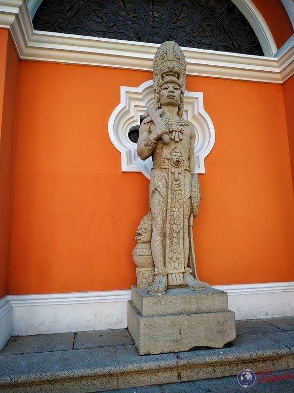Estatua Maya en Museo Arqueologico