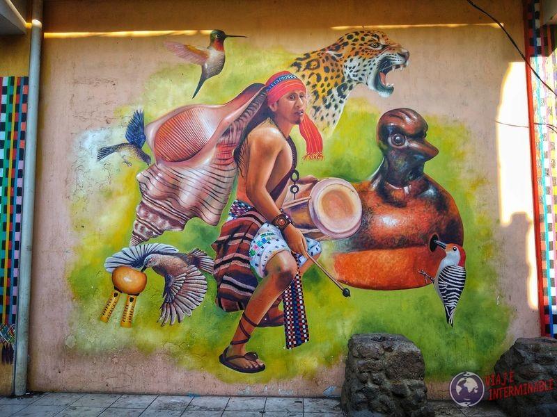 Grafiti indigenas en San Juan La Laguna Atitlan Guatemala