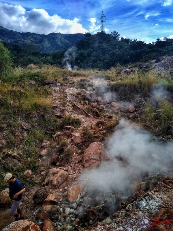 Humo azufre en El Salvador